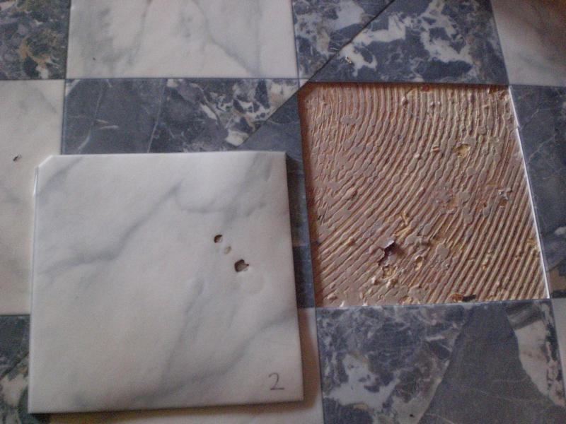 09_PVC-Schaden-im-Esszimmer-eines-Privathauses-in-Breitenthal_Probestelle-2-Esszimmer