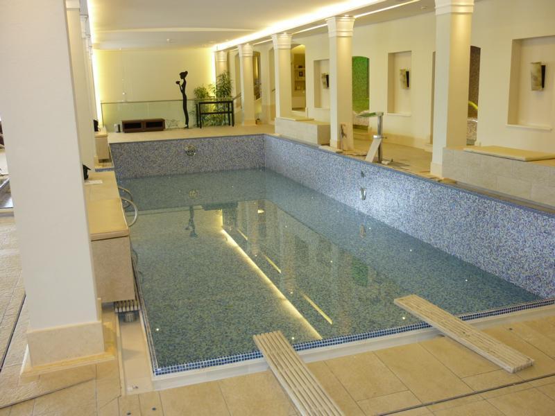 16_Beratung-zu-einer-Verbundabdichtung-im-Spa-Bereich-des-Hotel-Schloss-Fuschl-Hotel-Jagdhof-Hof-bei-Salzburg_Gegenständlicher-SPA-Bereich-Ebene-1