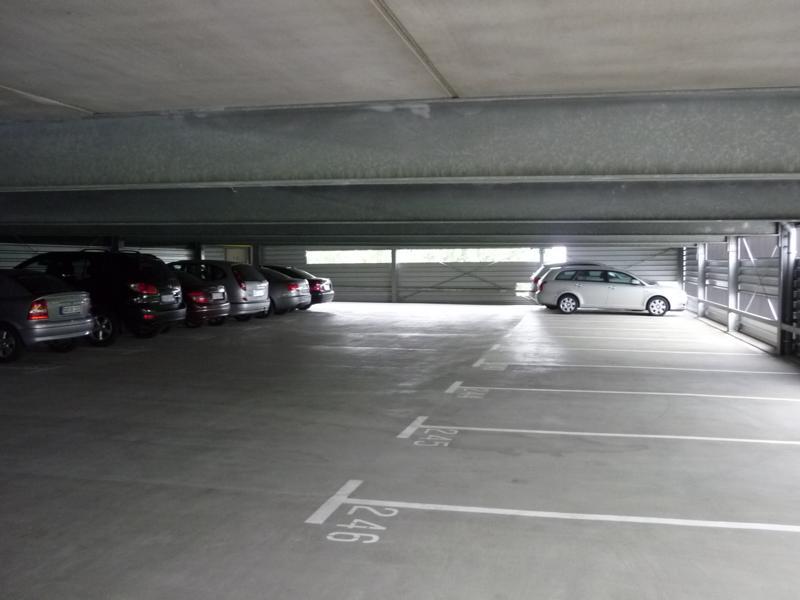 32_Beratung-zur-Qualität-einer-Beschichtung-auf-einem-Parkdeck-in-Passau_Gegenständliche-Parkplätze-im-2.-OG