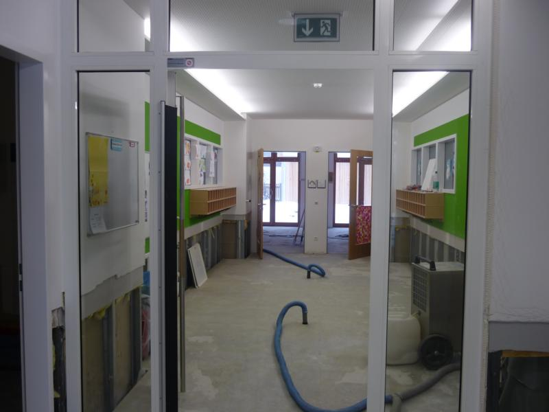 39_Beurteilung-einer-Wasserschadensanierung-in-einem-Kindergarten_Gegenständliche-Fläche-im-EG