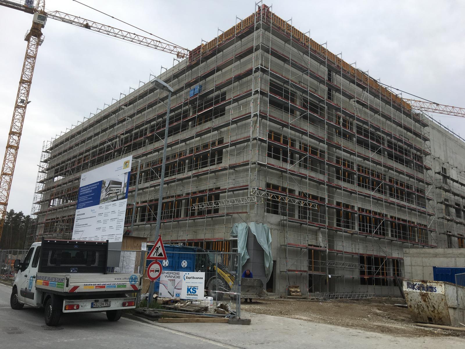 Qualitätsüberwachung in Bezug auf den Estrich bei einem staatlichen Projekt in Erlangen